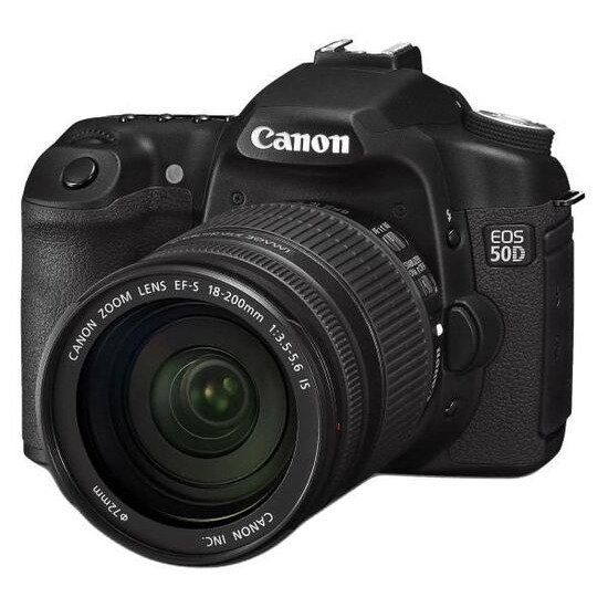 Canon EOS 50D with EF-S 18-200 mm f/3.5-5.6 IS Lens and EF-530 DG Super Flash and Carry-all