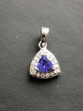 User supplied image of RHAPSODY 950 Platinum AAAA Tanzanite (Trl), Diamond Pendant 0.600 Ct.