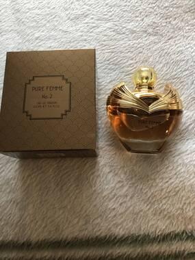 User supplied image of Pure Femme: Gold Eau De Parfum - 100ml