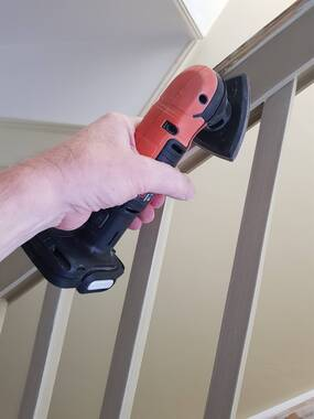 User supplied image of 12V Cordless Detail Sander with 1 x 1.5Ah battery, USB charger & in a carton