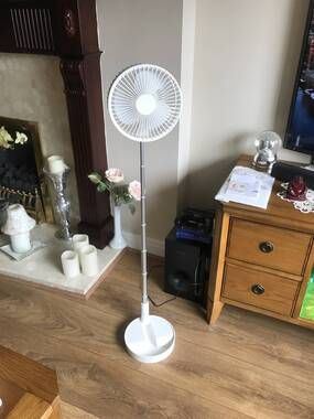 User supplied image of 3 in 1 Portable and Foldable Fan with Four Wind Speed Settings and USB Cable