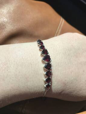 User supplied image of Rhodolite Garnet (Hrt) Pendant, Adjustable Bracelet (Size 6.5 to 9) and Lever Back Earrings in Sterling Silver 10.250 Ct.