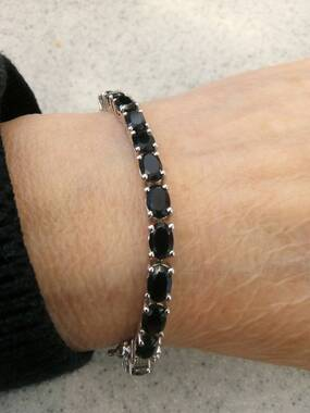 User supplied image of Boi Ploi Black Spinel (Ovl) Bracelet (Size 7) in Platinum Overlay Sterling Silver 19.750 Ct.