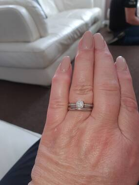 User supplied image of 9K White Gold SGL Certified Diamond (Rnd) (I3/G-H) Ring 1.00 Ct.