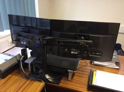 ergotron ds100 dual monitor desk stand horizontal ebuyer com rh ebuyer com
