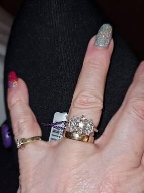 User supplied image of RHAPSODY 950 Platinum Diamond (Rnd) Cluster Ring 1.000 Ct.