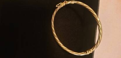 User supplied image of 9K Yellow Gold Twisted Bangle (Size 5), Gold wt 2.60 Gms