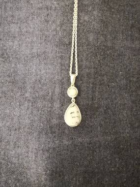 User supplied image of Dendritic Agate (Pear) Pendant in Sterling Silver 3.500 Ct.
