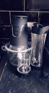 User supplied image of Super Auction- Multifunctional Portable Food Processor (Includes 600ml Jar, Cross Blade, 2L Glass Bowl and 100ml Grinding Jar) (Size 23x18x29 Cm) - Black