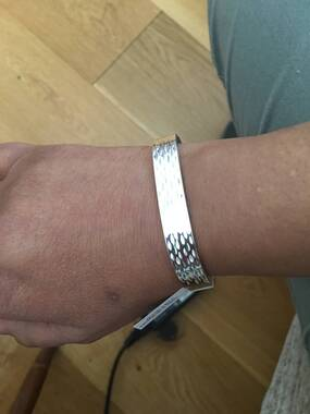 User supplied image of Sterling Silver Diamond Cut Bangle (Size 7.5), Silver wt 25.20 Gms